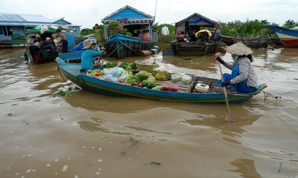 Il lago di Tonle Sap in Cambogia a rischio con il cambiamento climatico