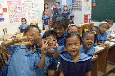 FILIPPINE: Troppo bassa la spesa per l'istruzione anche se ci sono miglioramenti
