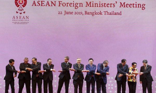 Visione del ASEAN del summit di Bangkok ed il riprendersi la propria voce