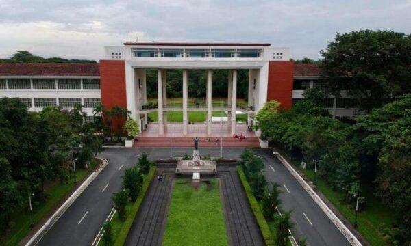 Campus universitario UP a Manila adocchiato dai militari filippini