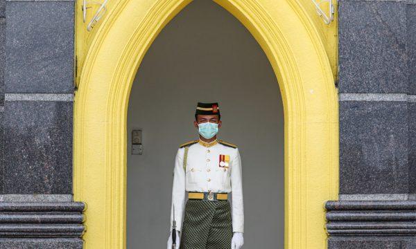 Le misure di contenimento del premier malese Muhyiddin alla prova