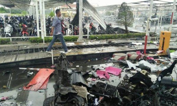 Quello che dicono le bombe al Big C di Pattani in Thailandia