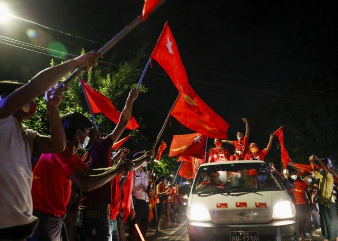 vittoria massiccia del NLD