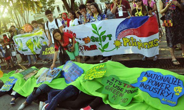 FILIPPINE: La politica del carbone e l'ingiustizia climatica dopo Yolanda