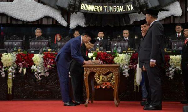 Inizia la seconda presidenza di Joko Widodo in Indonesia