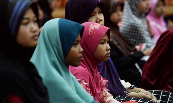 Le menti chiuse del conservatorismo religioso ed il matrimonio di bambini