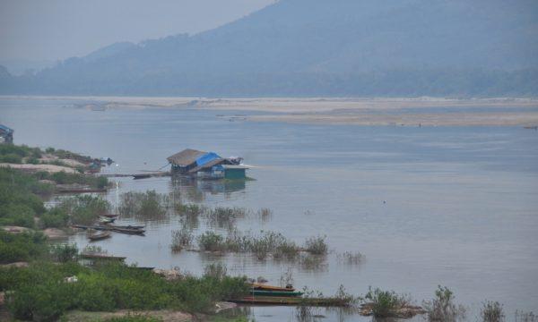 Quarta diga a Pak Lay in Laos sul percorso del fiume Mekong