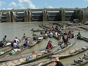 Vietnam, LAOS: La diga che divide i due paesi