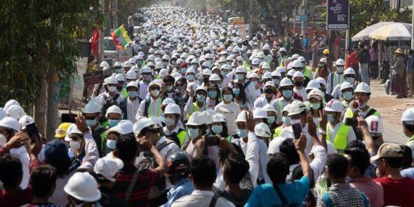 La guerra totale delle forze armate contro la popolazione birmana