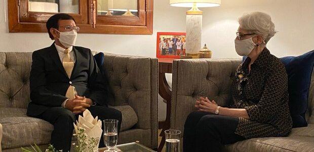 Vice segretaria di stato USA Wendy Sherman in Cambogia: democrazia e interessi