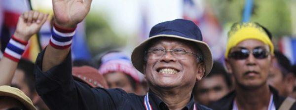 Prosegue bloccare Bangkok con una scia di operazioni violente nella capitale