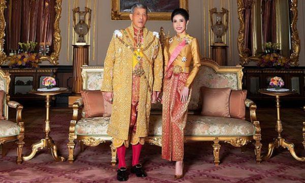 Torna la favorita Koi al palazzo reale thai non è la favola